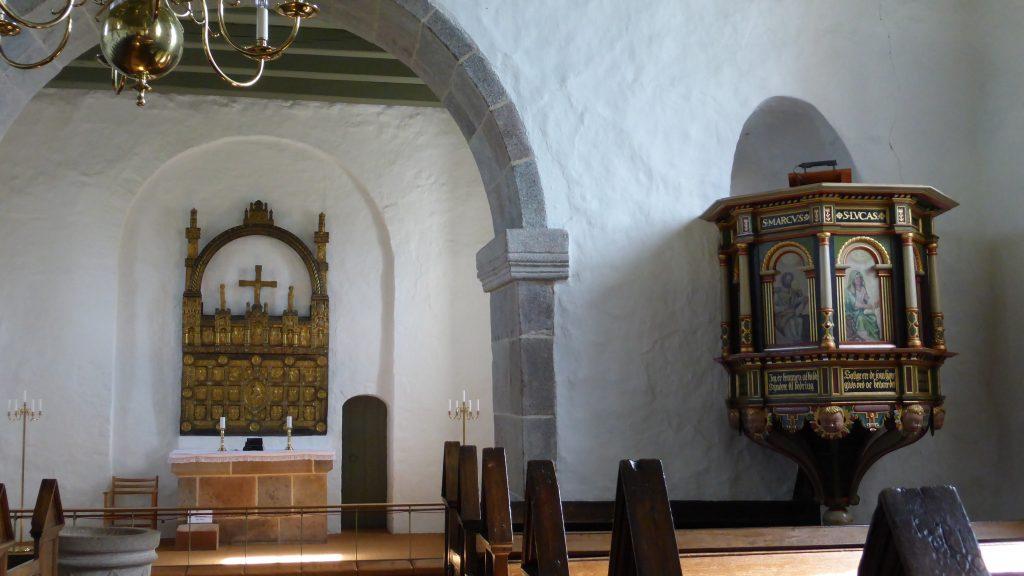 P1100028 Sahl Kirke